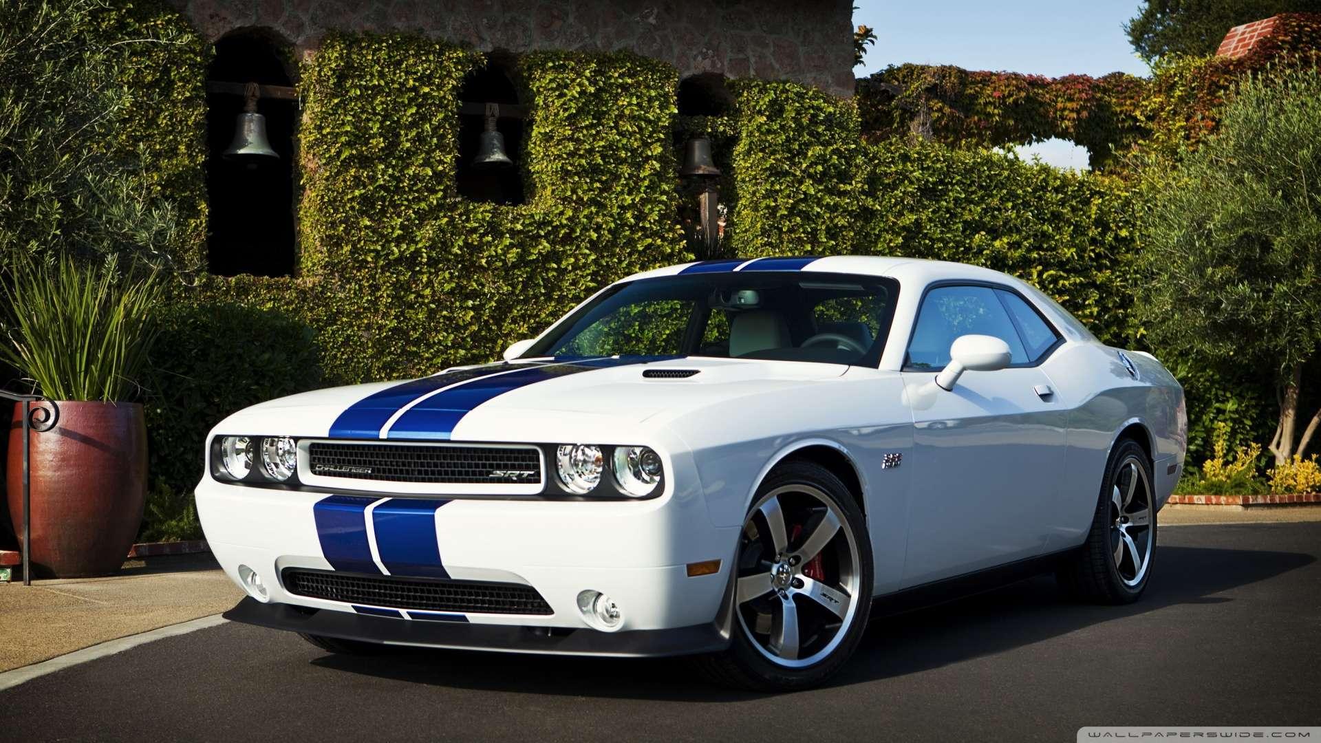 Dodge-Challenger-Srt-Blue-Stripes-1080p-HD-wallpaper-wp3404707