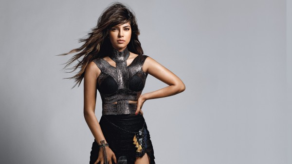 Download-Free-Priyanka-Chopra-High-Definition-Desktop-Background-High-Resolution-Hot-Ind-wallpaper-wp6003051