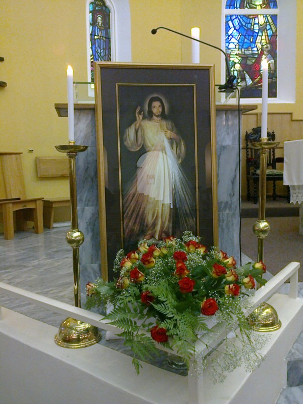 Duvine-Mercy-Sunday-at-St-Paul%E2%80%99s-Somerset-West-SA-Awestruck-Catholic-Social-Network-wallpaper-wp5404694