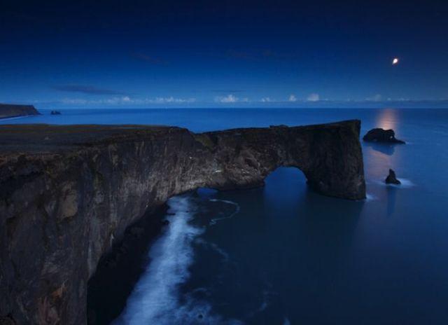 Dyrh%C3%B3laey-Iceland-wallpaper-wp5006975