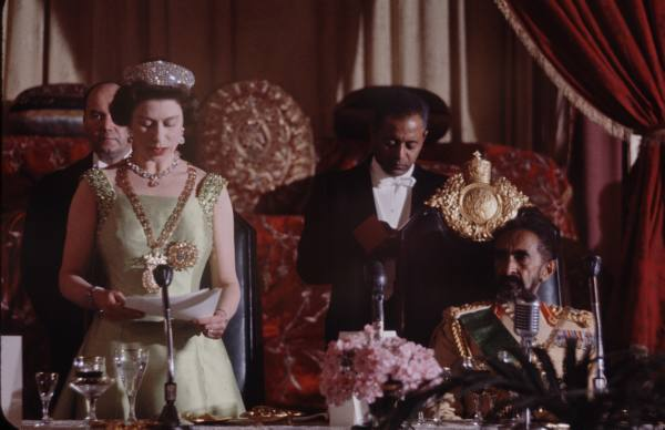 Elizabeth-II-wearing-the-Chain-and-Star-of-the-Order-of-Solomon%E2%80%99s-Seal-The-Ethiopian-Empire%E2%80%99s-wallpaper-wp4605648