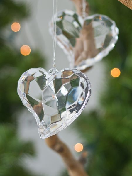 Faceted-hearts-wallpaper-wp4605777