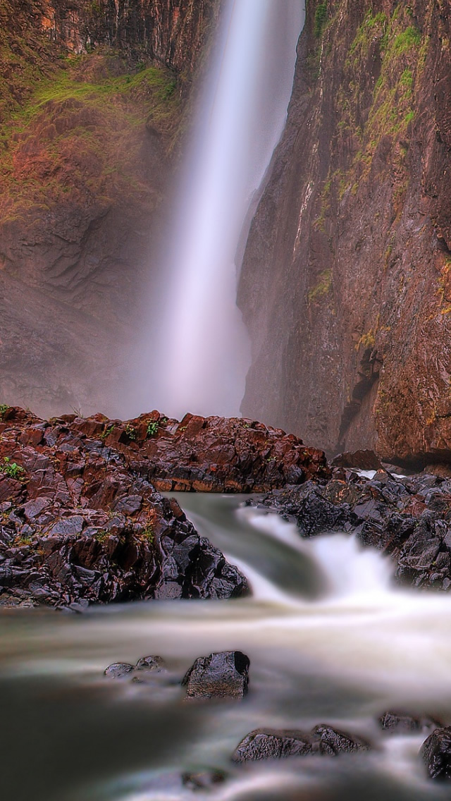 Falls-National-Park-Queensland-Australia-iPhone-s-Wallpaper-wallpaper-wp4806336