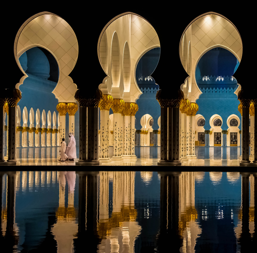 Father-and-Son-The-Grand-Mosque-Abu-Dubai-wallpaper-wp3005539