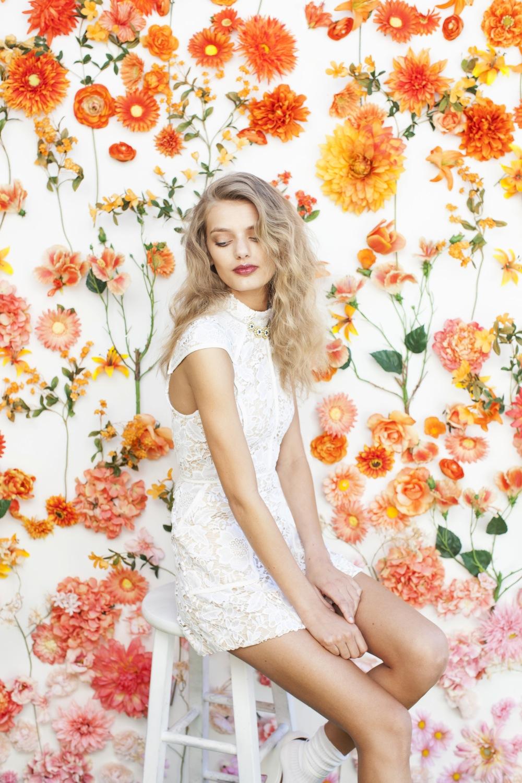 Flower-Wall-wallpaper-wp425477