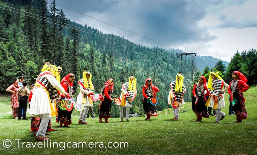 Folk-dancers-from-Kullu-Valley-Himachal-Pradesh-wallpaper-wp5405014