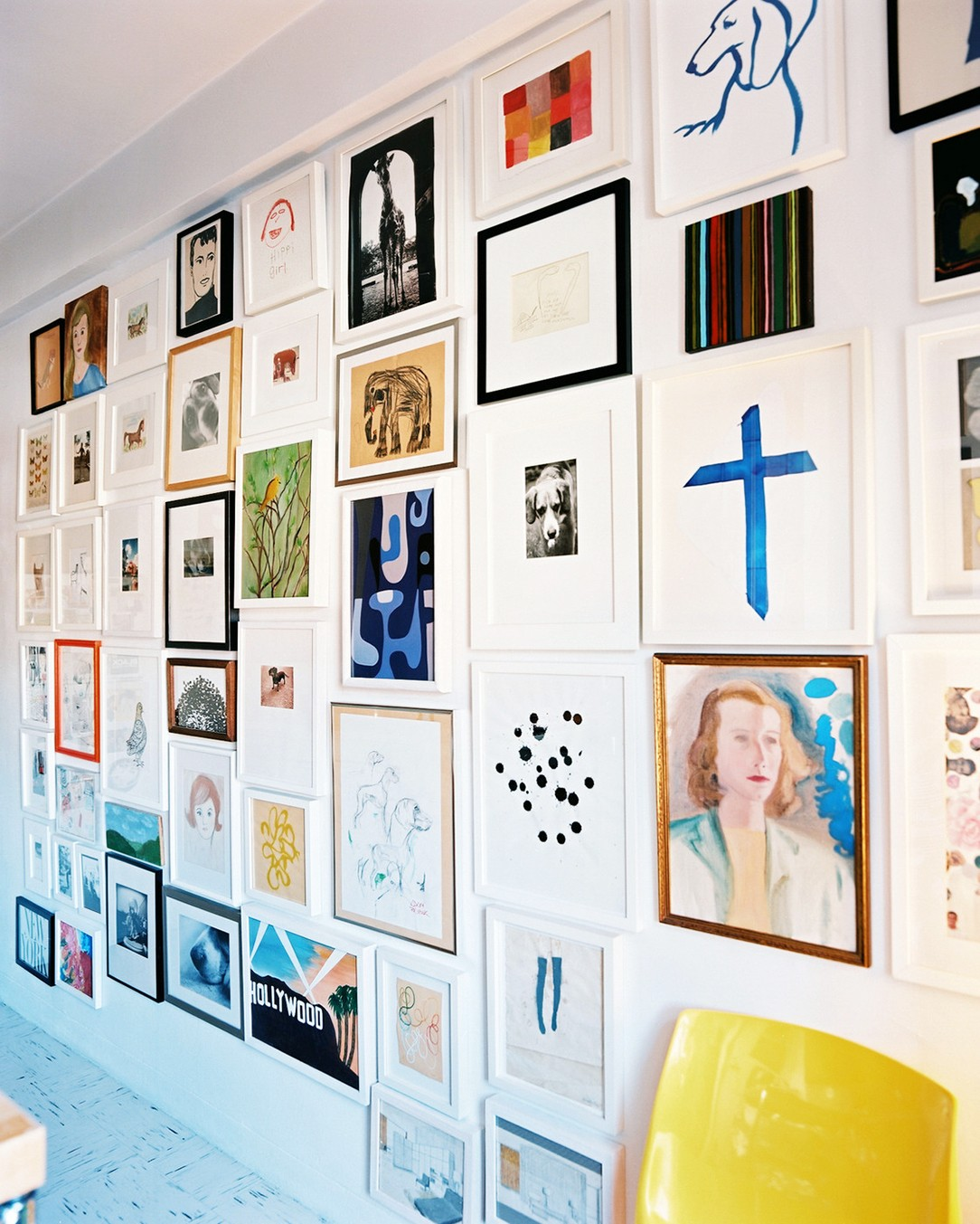 From-Blank-Wall-to-Gallery-Wall-In-Simple-Steps-via-MyDomaine-wallpaper-wp425632-1