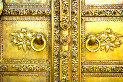 Gold-Door-wallpaper-wp4806820