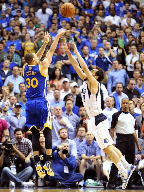 Golden-State-Warriors-guard-Stephen-Curry-shoots-the-game-winning-wallpaper-wp5806102