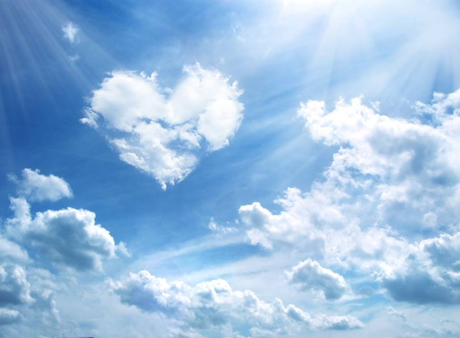 Heart-cloud-wallpaper-wp580291