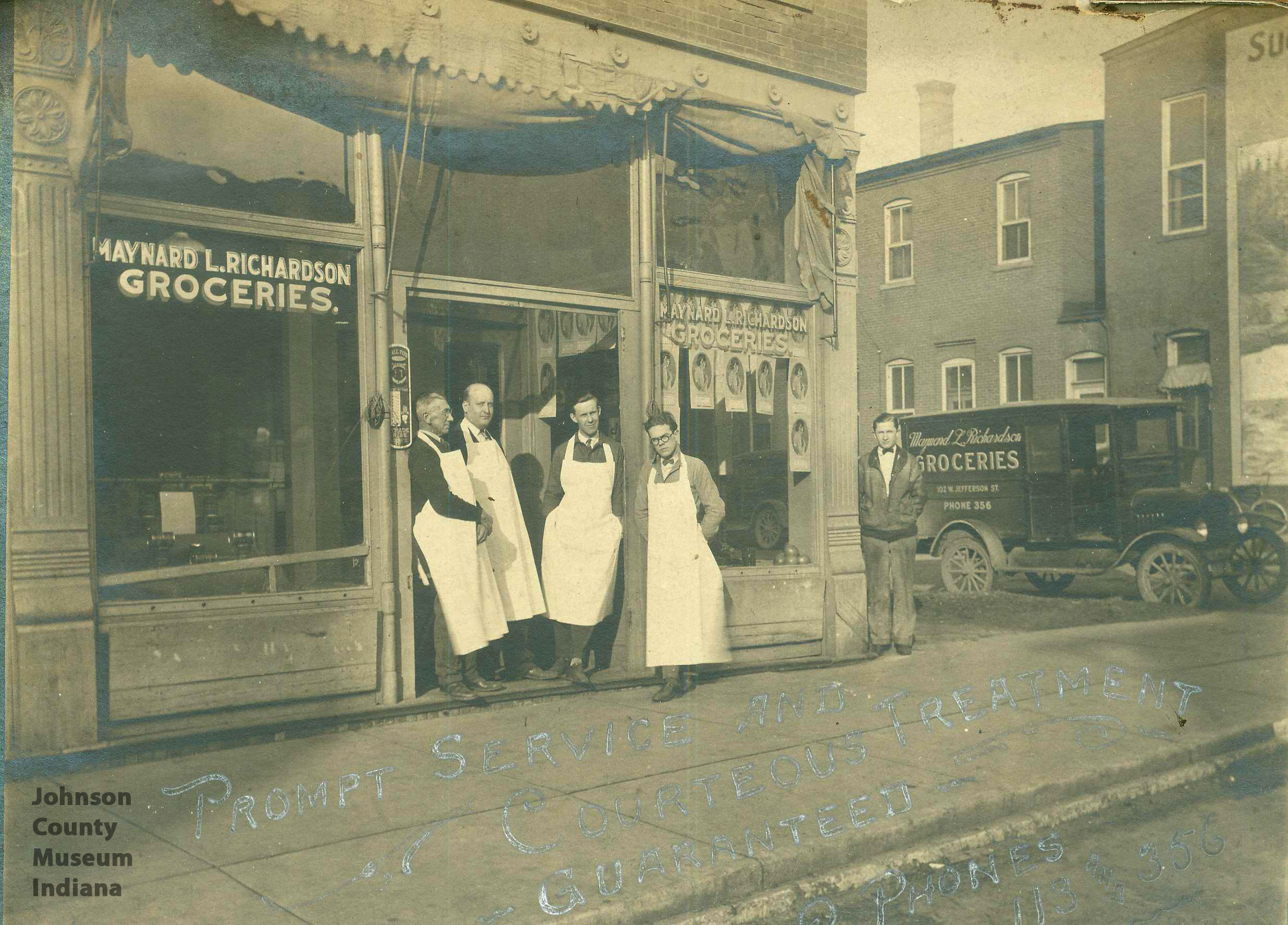 Henderson-s-Grocery-store-at-West-Jefferson-in-Franklin-wallpaper-wp426097