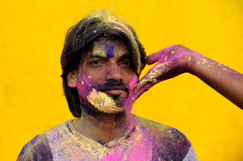 Holi-Festival-of-Colors-in-India-via-BigPicture-wallpaper-wp3006655