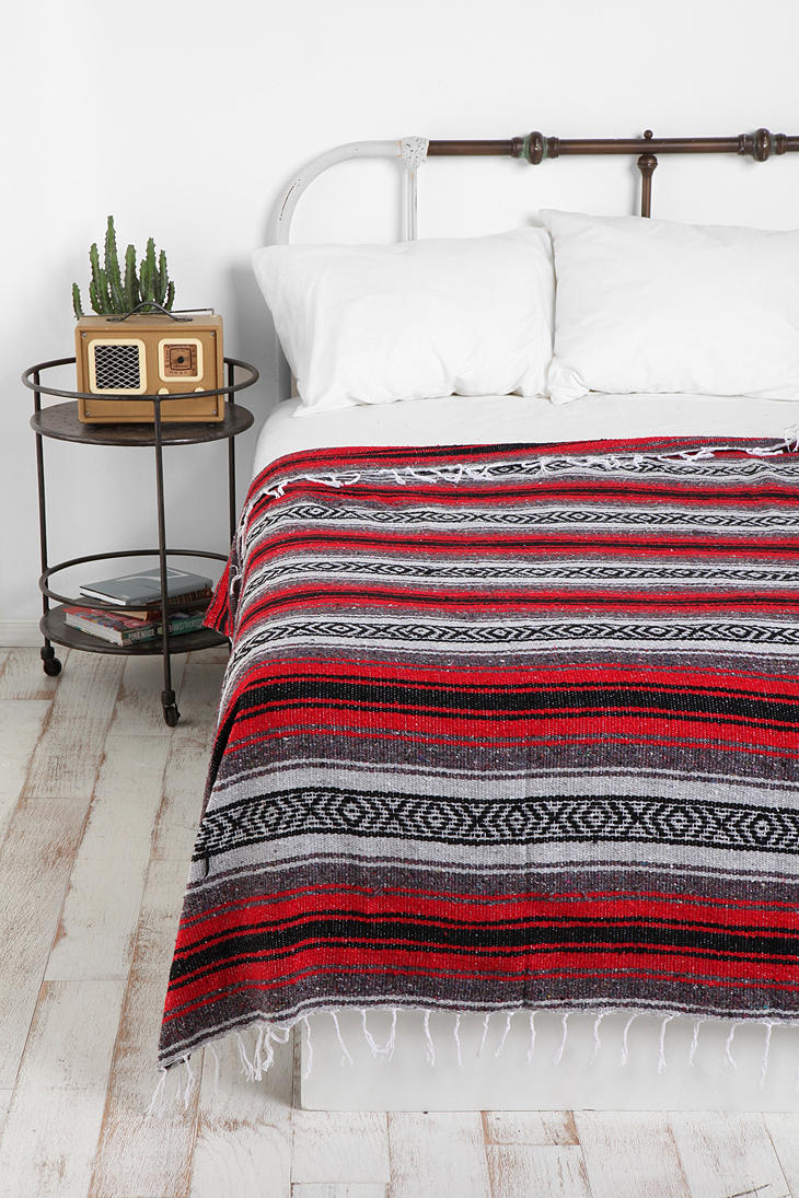 I-have-so-many-falsa-blankets-its-not-even-funny-Still-cute-though-urbanoutfitters-wallpaper-wp5008882