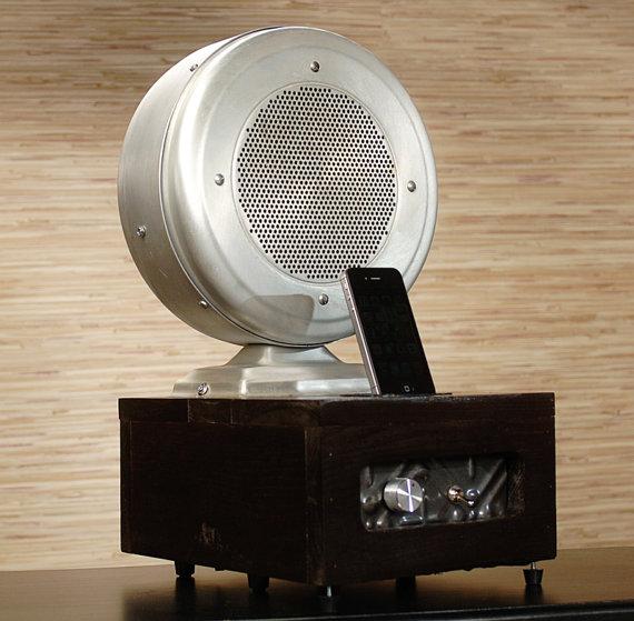 Iphone-charding-dock-from-vintage-HAM-Radio-via-Etsy-wallpaper-wp5605946