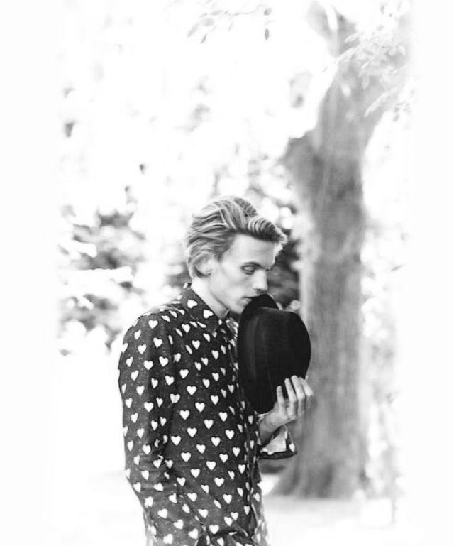 Jamie-Campbell-Bower-his-absence-from-this-board-is-MIND-BOGGLING-quick-fix-wallpaper-wp5208100