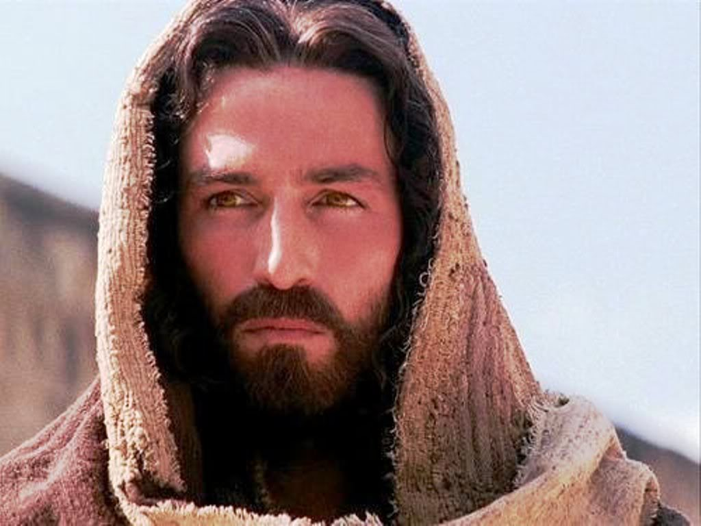 Jesus-Christ-Jim-Caveziel-in-wallpaper-wp426774