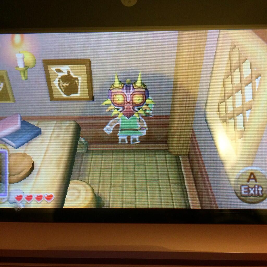 Majora-s-Mask-spotted-in-Link-s-house-in-ALBW-DS-wallpaper-wp422900-1