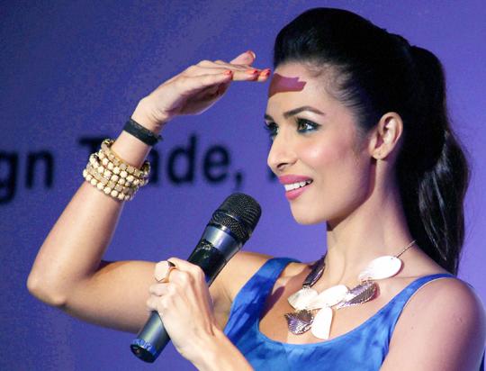 Malaika-Arora-Khan-Bollywood-Fashion-Style-wallpaper-wp5209119