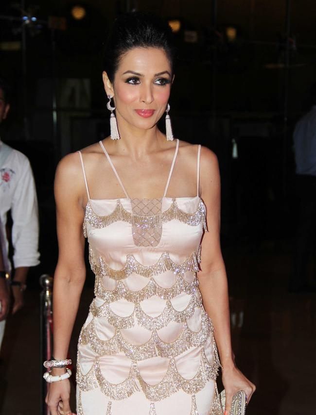 Malaika-Arora-Khan-at-Miss-Diva-wallpaper-wp5209123