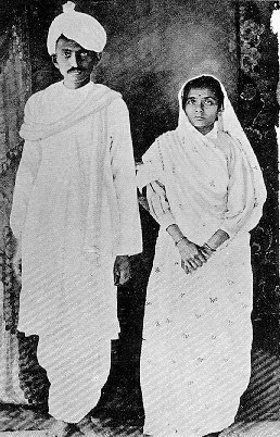 Man-and-Wife-Mahatma-Gandhi-and-Kasturba-Picture-taken-in-upon-Gandhis-return-to-India-wallpaper-wp4608066