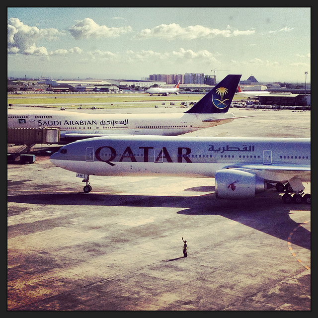 Manila-International-Airport-Philippines-Qatar-Saudi-Arabian-Airlines-Tarmac-wallpaper-wp4608074
