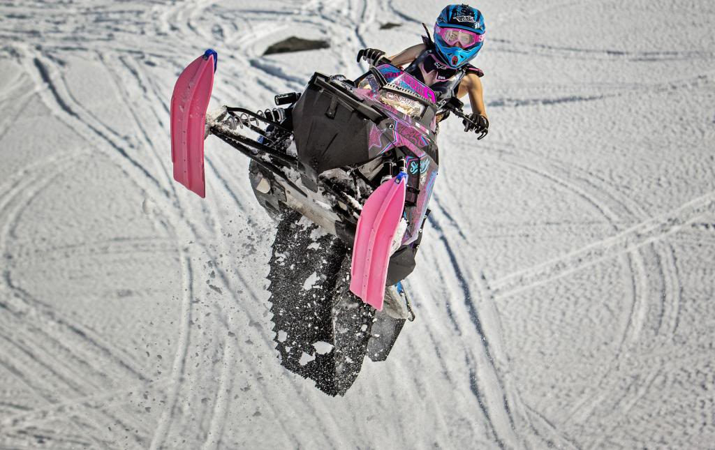 Maria-Sandberg-Snowmobiling-wallpaper-wp4409526