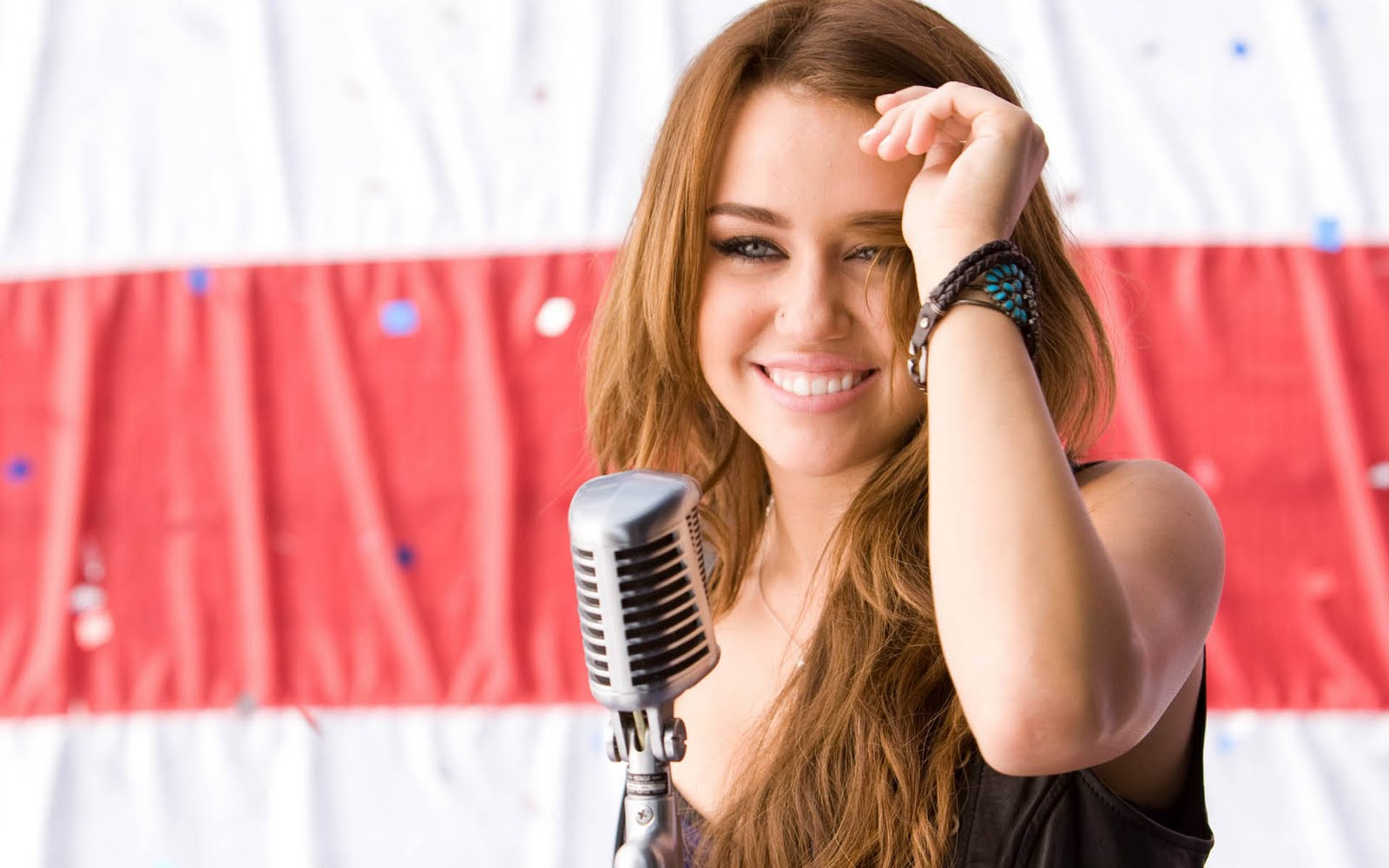 Miley-Cyrus-http-www-firsthd-com-miley-cyrus-html-wallpaper-wp6004898