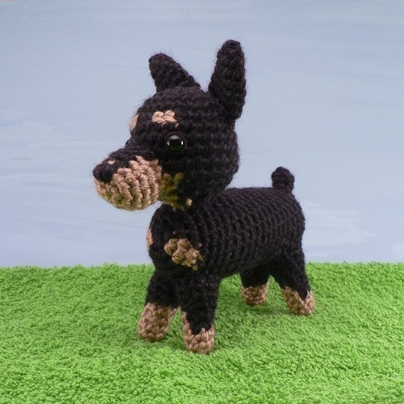 Miniature-Pinscher-Amigurumi-wallpaper-wp4608301-1