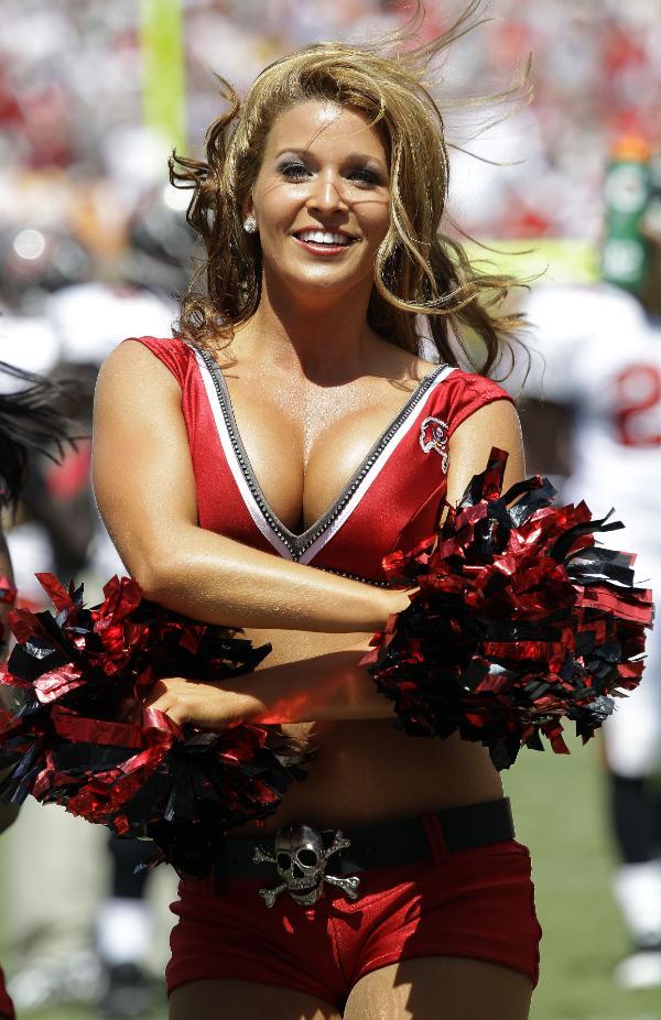 Cheerleader big tits nfl variants