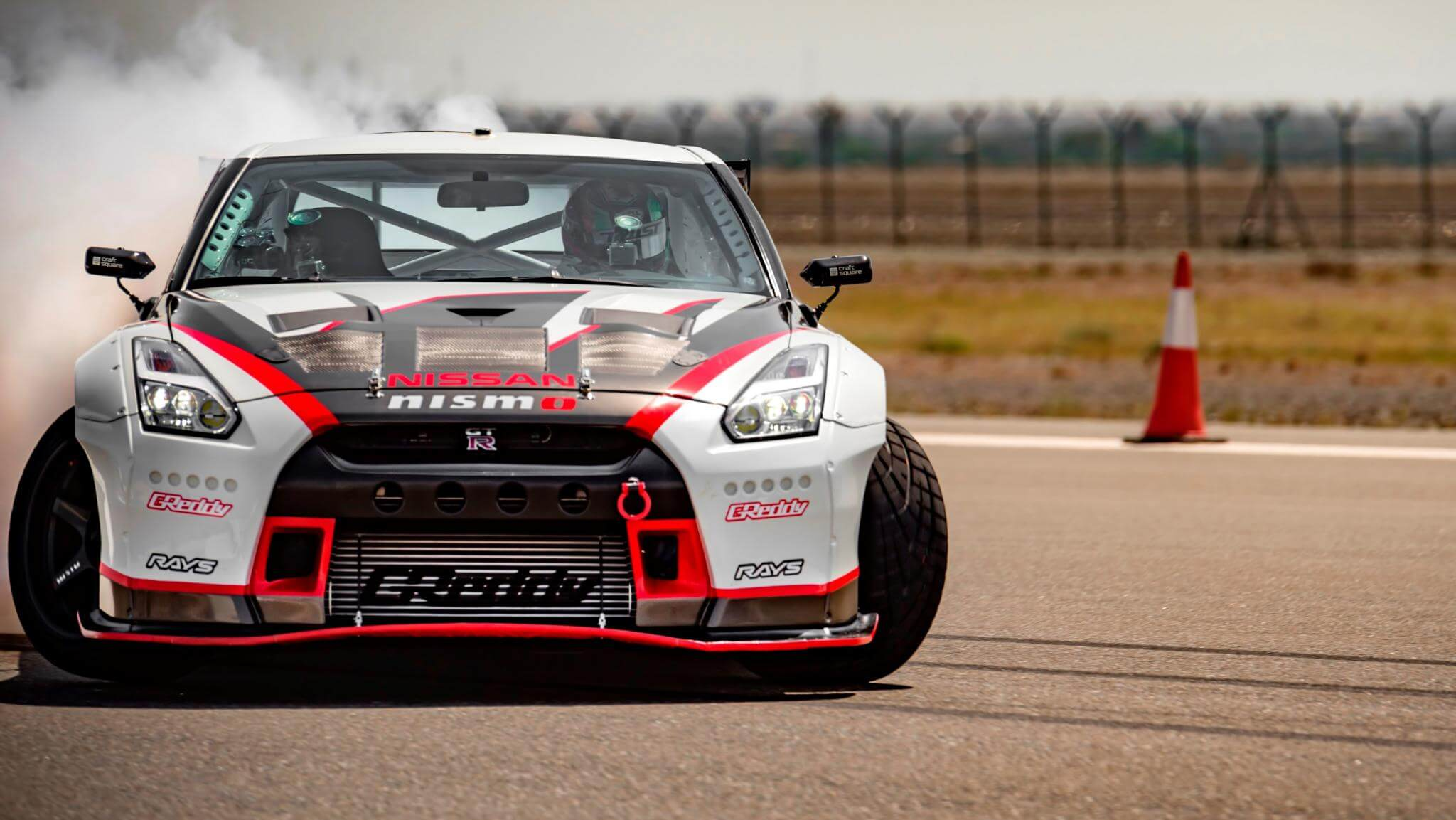 Nissan-GT-R-Nismo-World-Record-Drift-wallpaper-wp580395