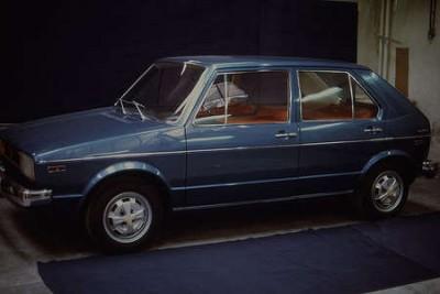 OG-Volkswagen-VW-Golf-I-Prototype-for-US-version-Left-view-with-five-doors-wallpaper-wp5209934