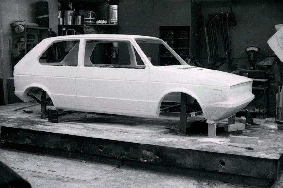 OG-Volkswagen-VW-Golf-Mk-Giugaro-s-early-clay-model-wallpaper-wp5209937