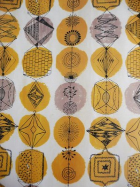 Geometric yellow wallpaper
