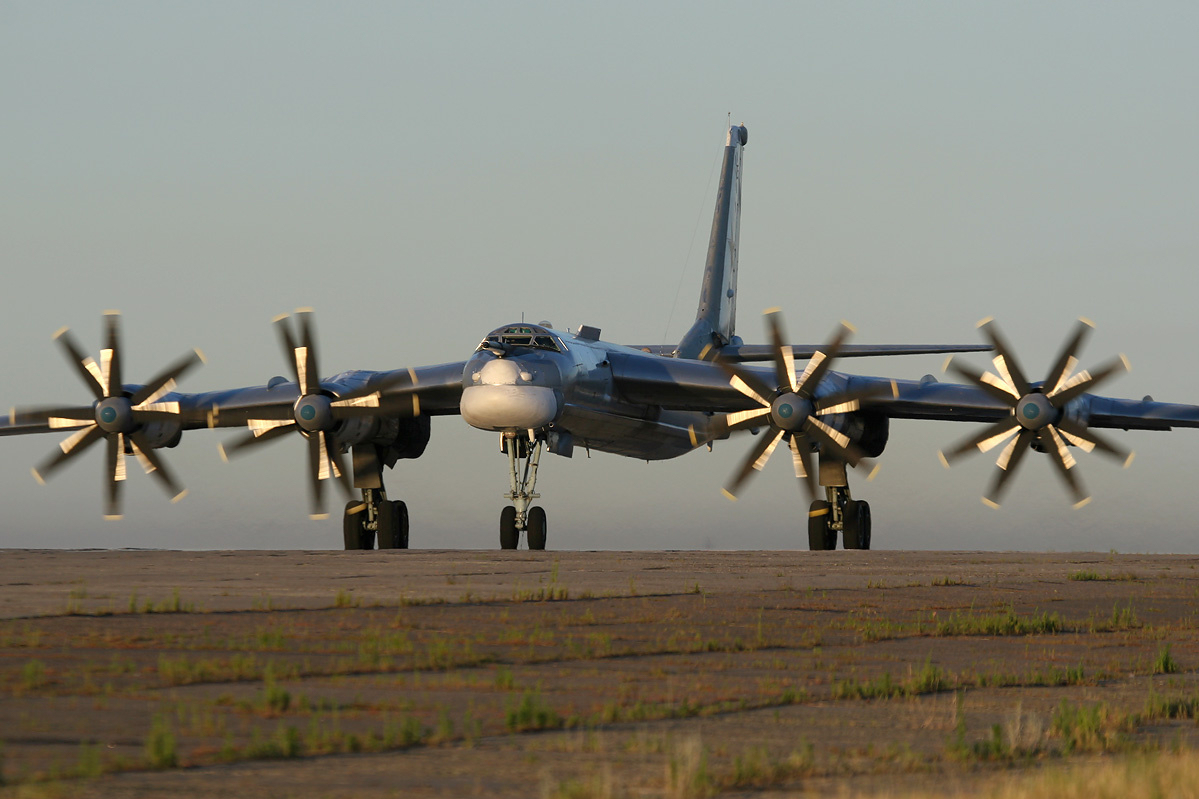 Russias-Been-Cruising-Californias-Coast-With-the-Worlds-Fastest-Turboprop-Gizmodo-UK-wallpaper-wp4609699
