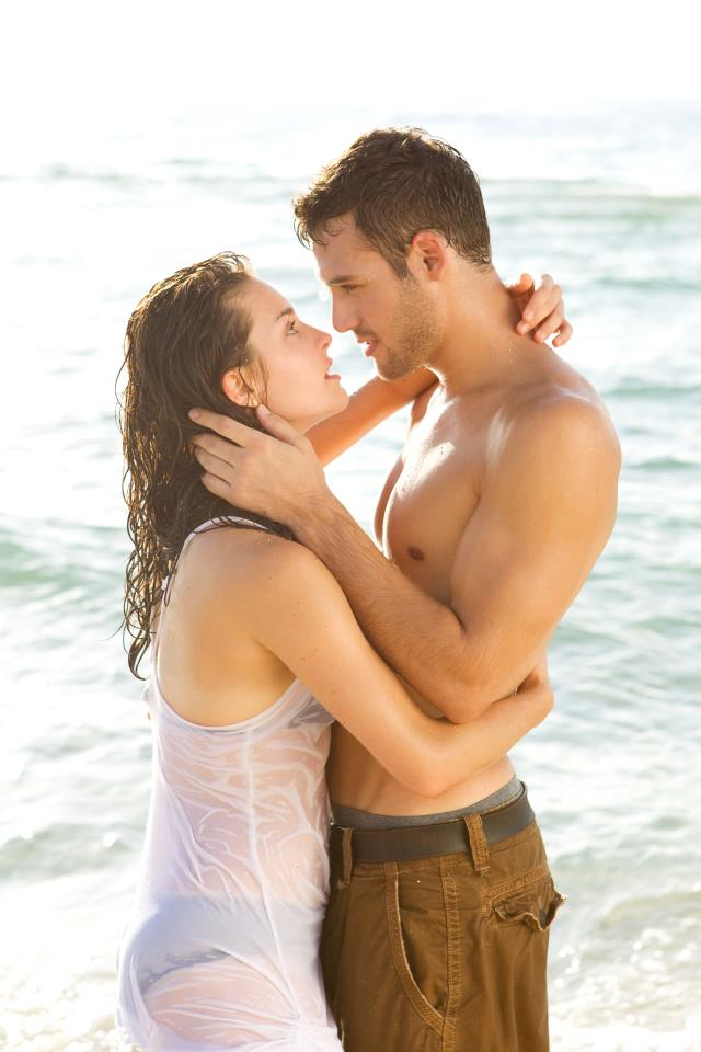 Ryan-Guzman-R-and-Kathryn-McCormick-L-star-as-Emily-Sean-in-STEP-UP-REVOLUTION-wallpaper-wp428899