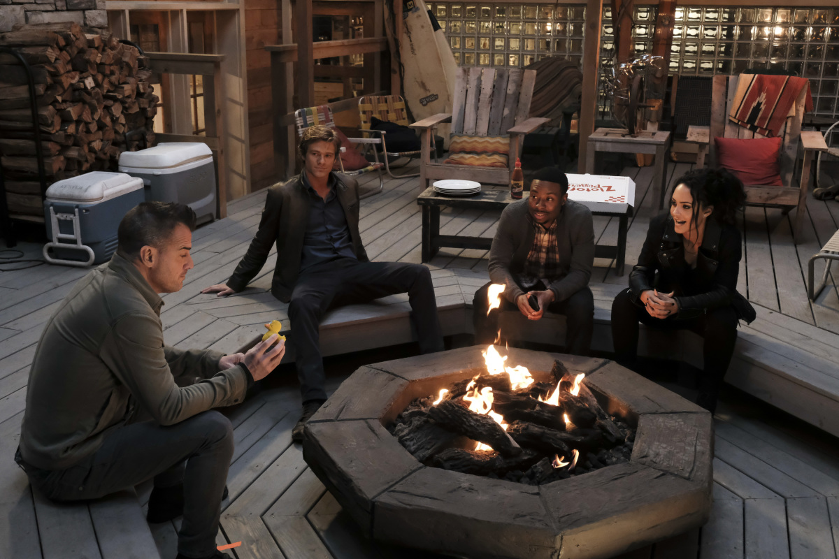 Sandrine-Holt-George-Eads-Tristin-Mays-and-Lucas-Till-in-MacGyver-wallpaper-wp52010844