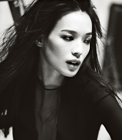 Shu-Qi-wallpaper-wp4801264