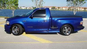 Ford Lightning tapetti