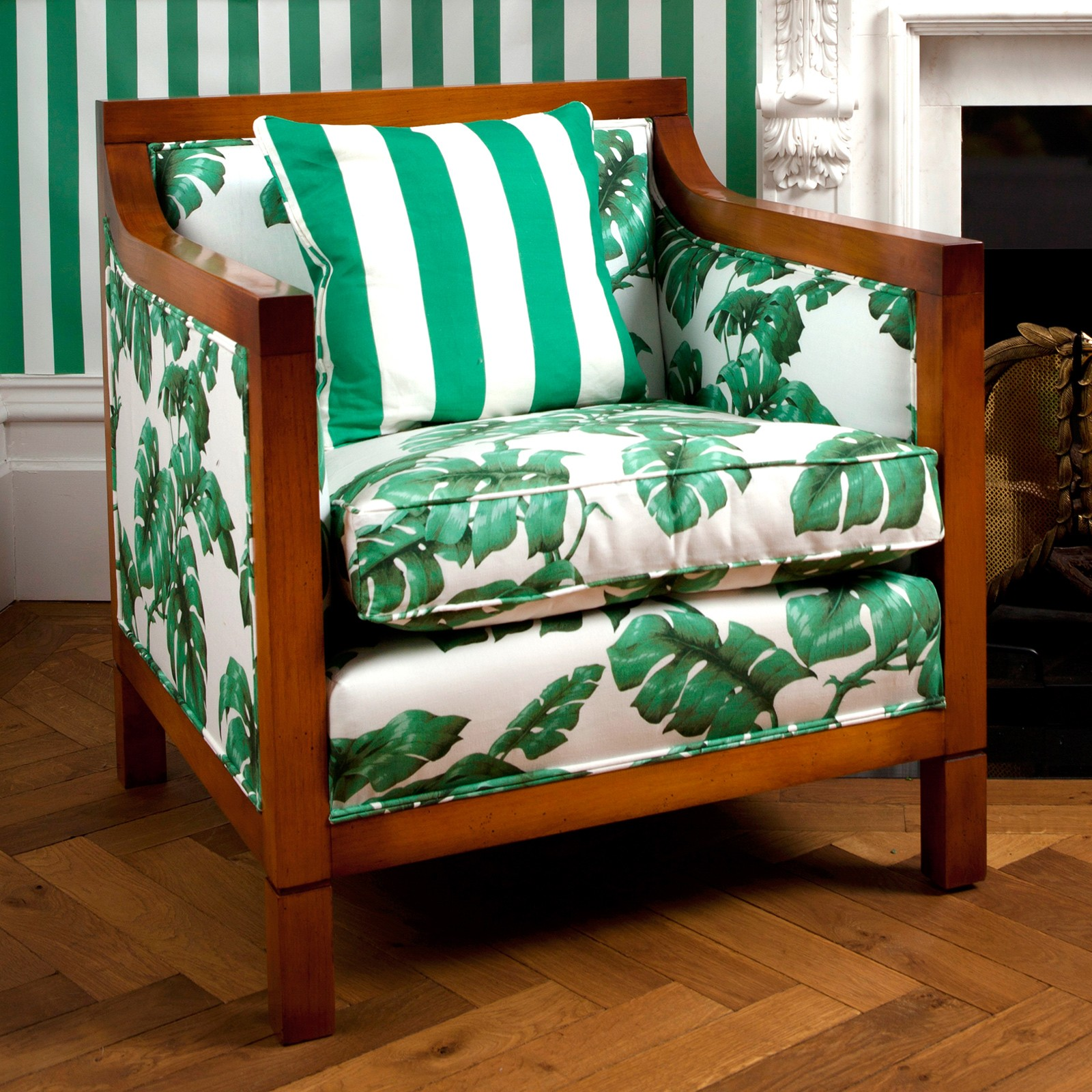 TAROVINE-Montague-Chair-White-Green-wallpaper-wp6005915
