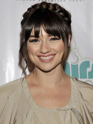 Teen-Wolf-star-Crystal-Reed-looks-angelic-with-this-beautiful-halo-braid-VisibleChangesSalons-love-wallpaper-wp4007850-1