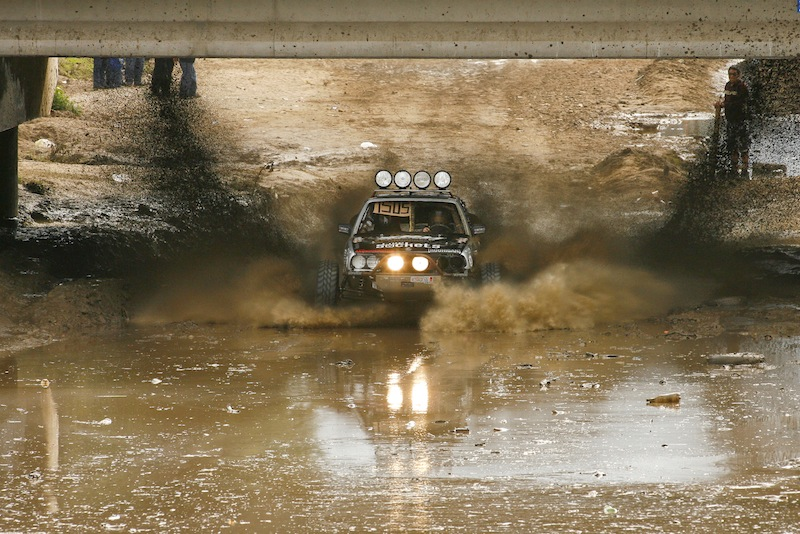 The-Other-Side-of-The-Baja-year-old-BMW-sedan-races-the-Baja-wallpaper-wp58010045