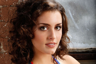 The-gorgeous-uber-talented-Kathryn-McCormick-wallpaper-wp429740