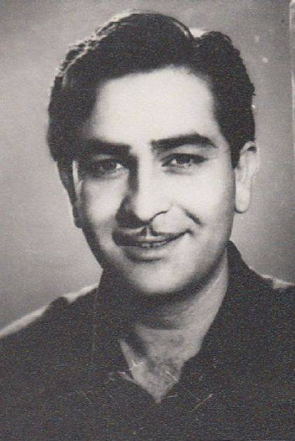 The-son-of-actor-Prithviraj-Kapoor-Raj-Kapoor-started-his-career-as-a-clapper-boy-but-bagged-his-fi-wallpaper-wp50012928