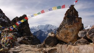TIBETAN PRAYER FLAGS, Schoonheid, wind and prayers for all mankind wallpaper