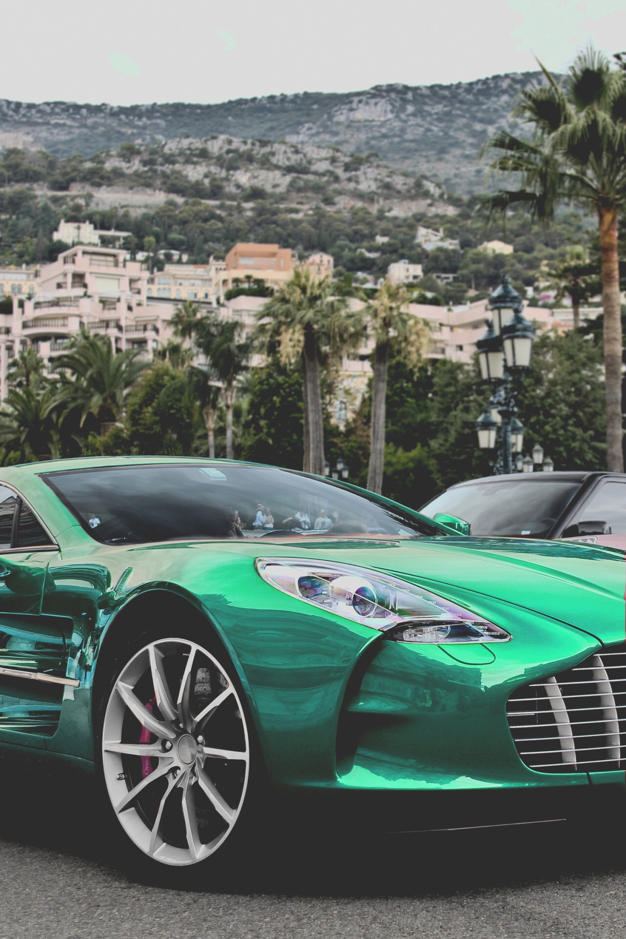 Visit-The-MACHINE-Shop-Caf%C3%A9-The-Best-of-Aston-Martin-Emerald-Green-Aston-Martin-wallpaper-wp58010518