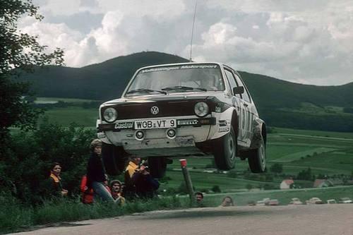 Volkswagen-Golf-GTI-mark-rally-car-wallpaper-wp52012389