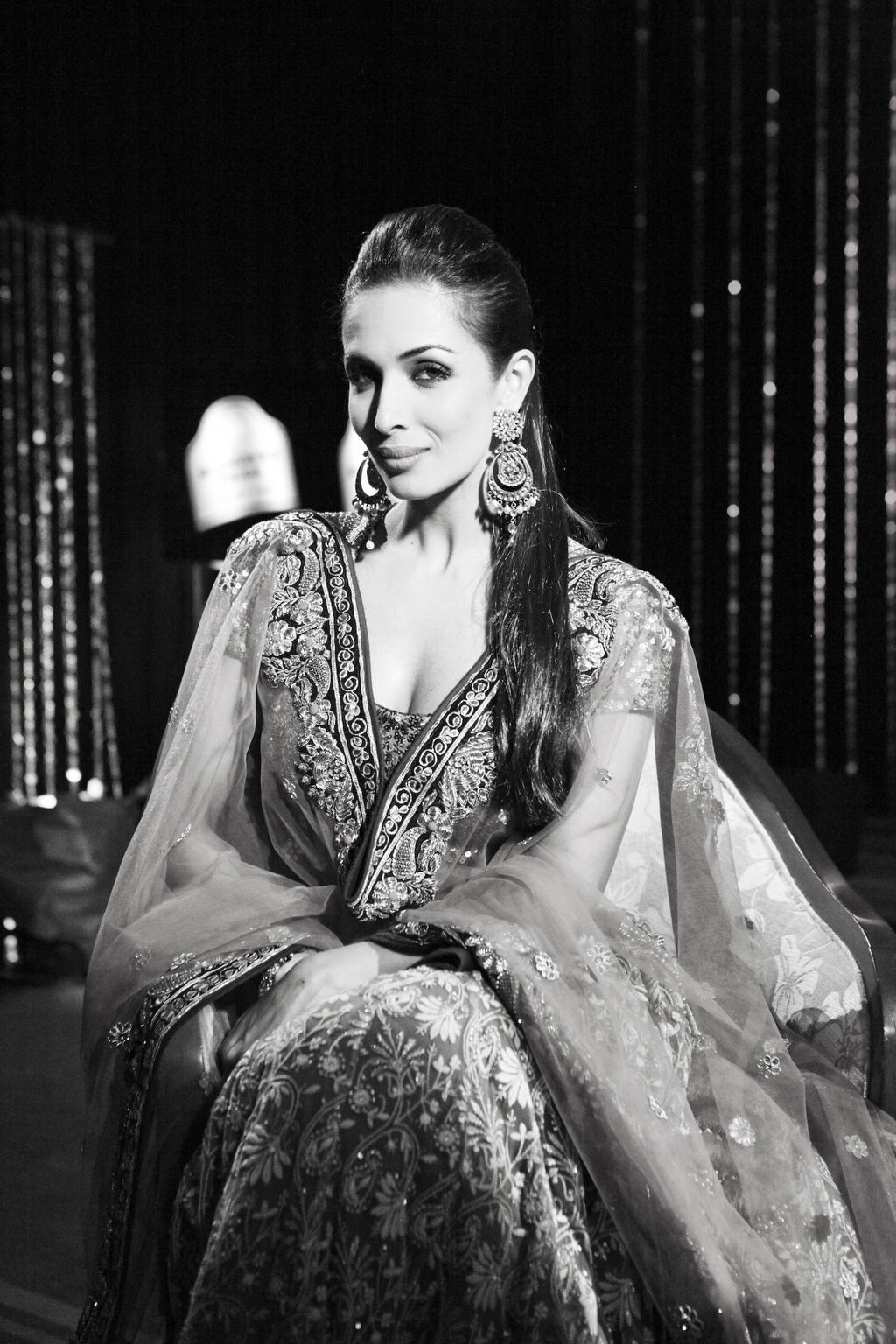 We-hope-you-didn-t-miss-the-very-y-Malaika-Arora-Khan-yesterday-She-looked-like-a-dream-wallpaper-wp52012679