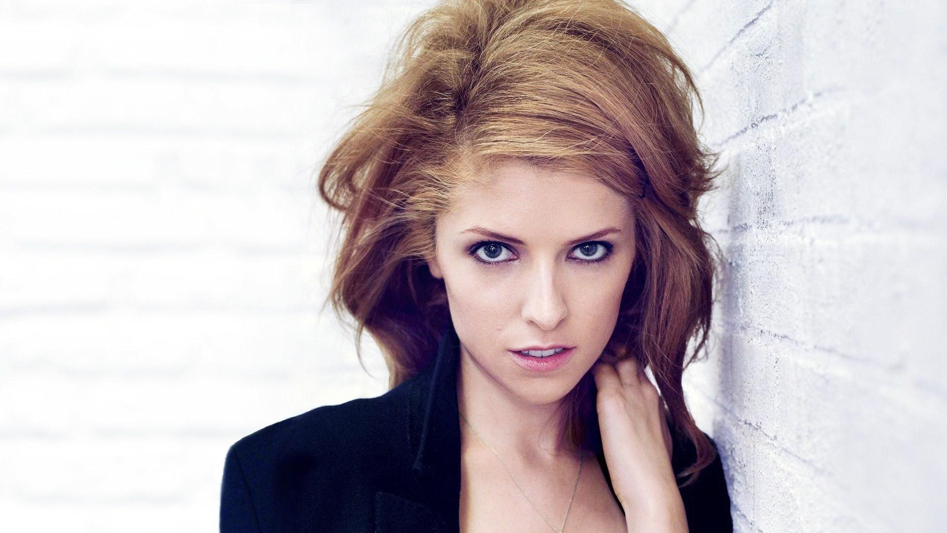 anna-kendrick-background-hd-1920%C3%971080-wallpaper-wp3602619