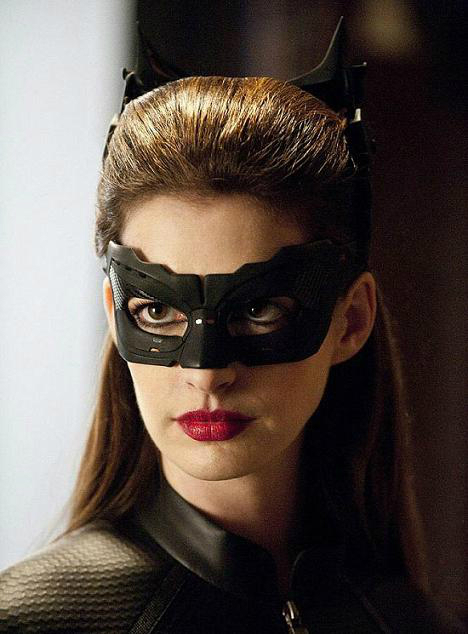 anne-hathaway-as-catwoman-wallpaper-wp4404515
