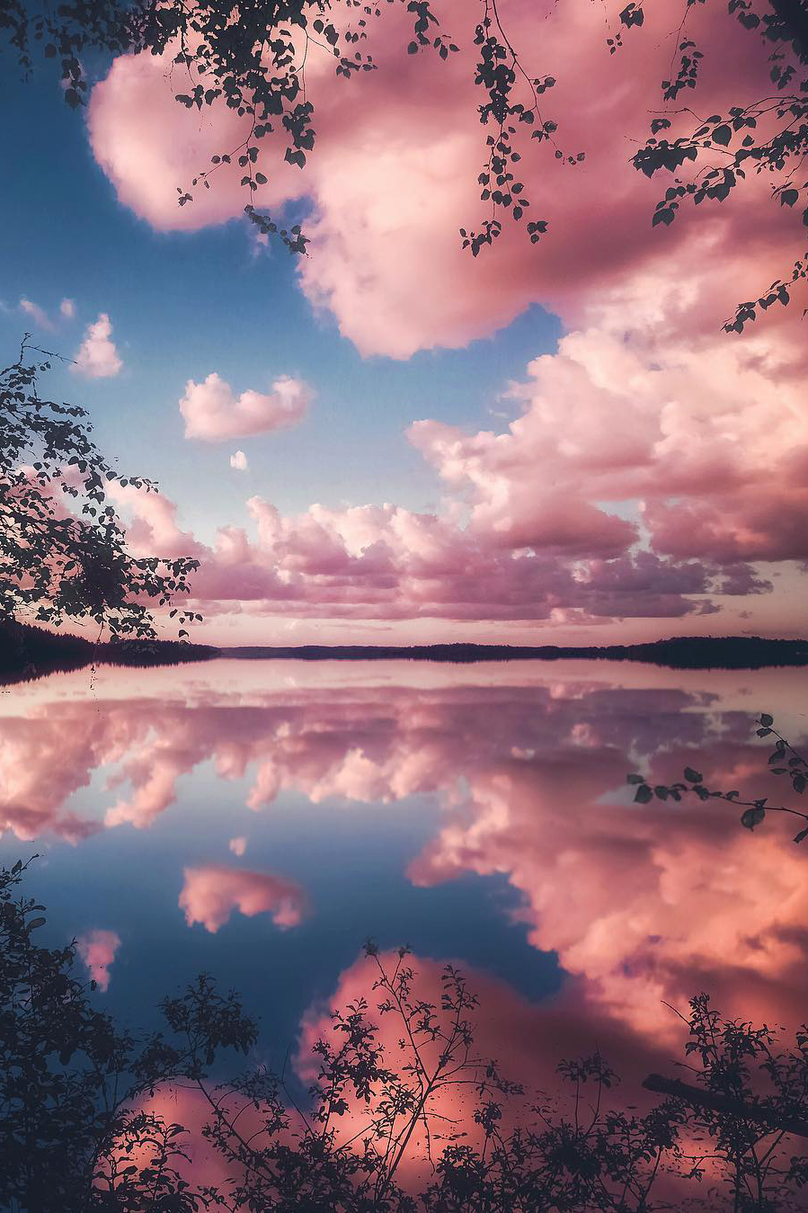 bddcdedfcee-happy-pink-clouds-wallpaper-wp400475-1